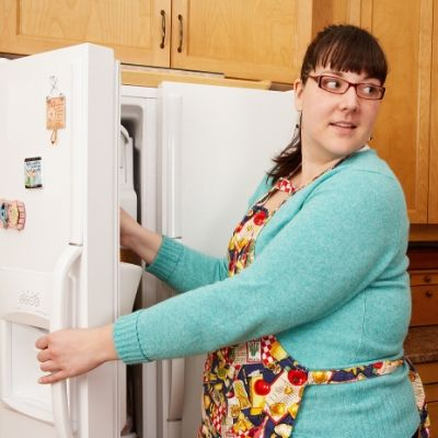 How to organize a refrigerator properly - food safety