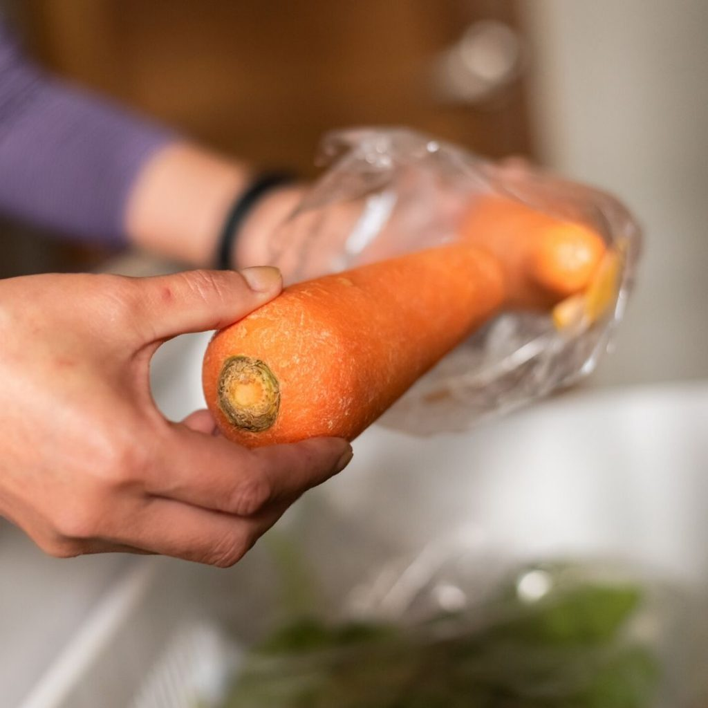 store carrots to maintain their freshness
