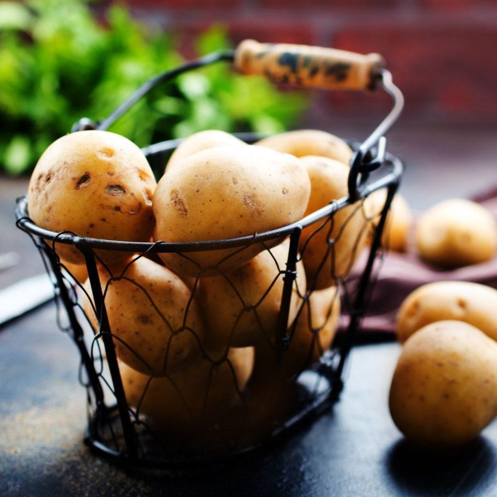 store potatoes to maintain their freshness